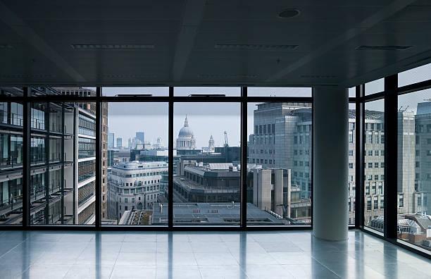 Empty office, overlooking St Paul's, London:スマホ壁紙(壁紙.com)