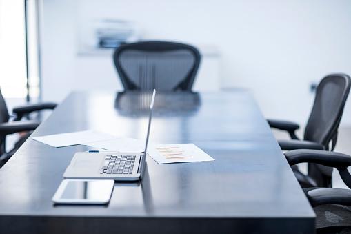 Business「Empty office room」:スマホ壁紙(8)