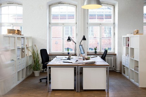 Document「Empty office」:スマホ壁紙(11)