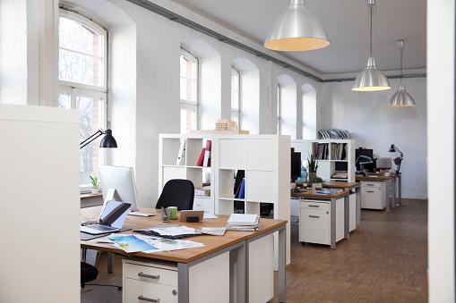 Open Plan「Empty office」:スマホ壁紙(8)