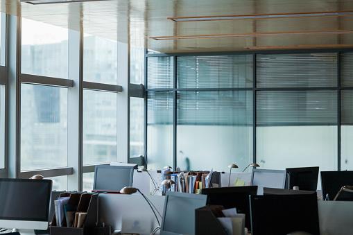 Desk Lamp「Empty Office」:スマホ壁紙(16)