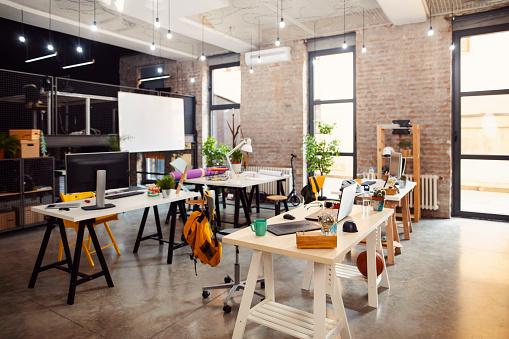 Small Office「Empty office」:スマホ壁紙(5)