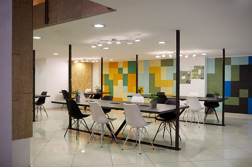 New Business「Empty Office」:スマホ壁紙(19)