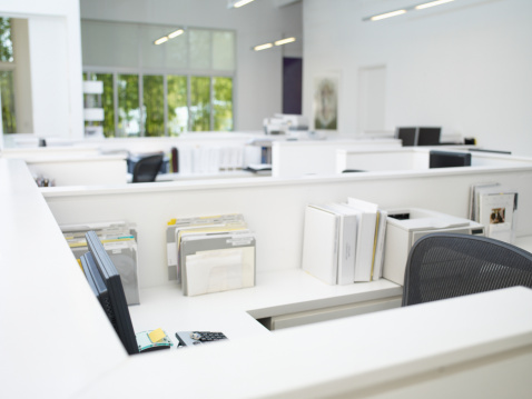 Individuality「Empty office cubicles」:スマホ壁紙(8)