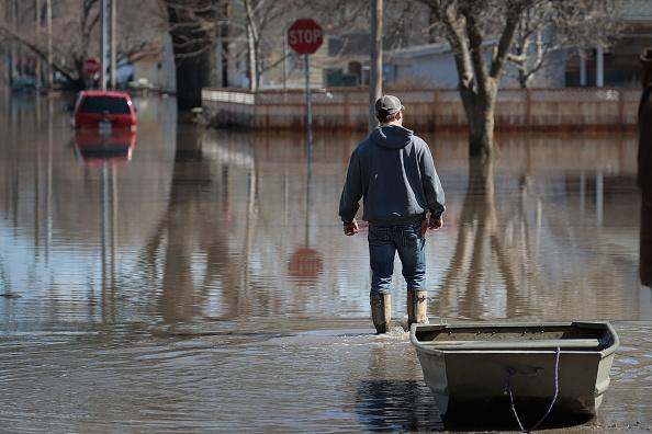 友情「Flooding Continues To Cause Devastation Across Midwest」:写真・画像(12)[壁紙.com]