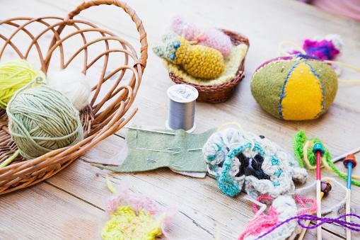 Craft「Yarn and knitting needles」:スマホ壁紙(16)