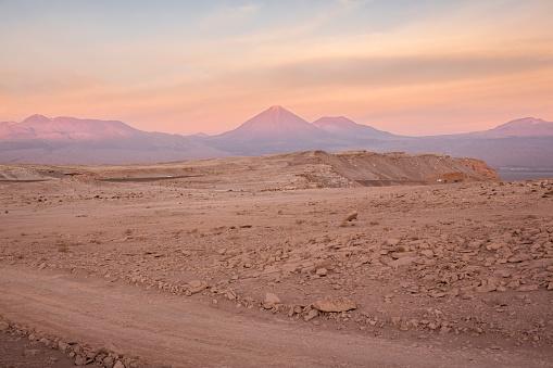 Antofagasta Region「Chile, San Pedro de Atacama, Atacama desert at twilight」:スマホ壁紙(18)