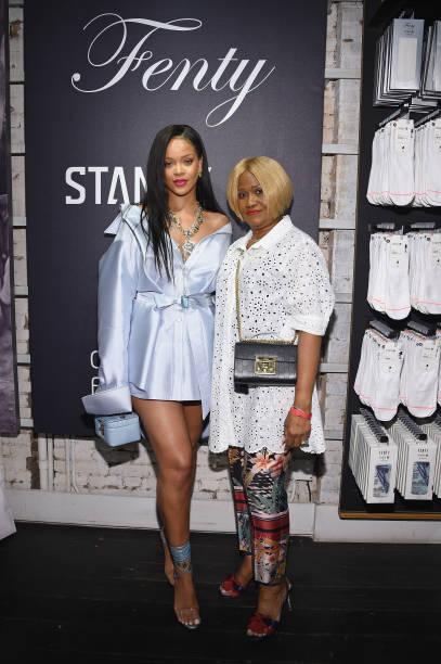 Rihanna Makes Appearance At Stance For Clara Lionel Foundation:ニュース(壁紙.com)