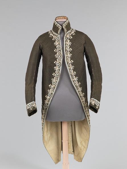 Menswear「Cutaway Coat」:写真・画像(16)[壁紙.com]