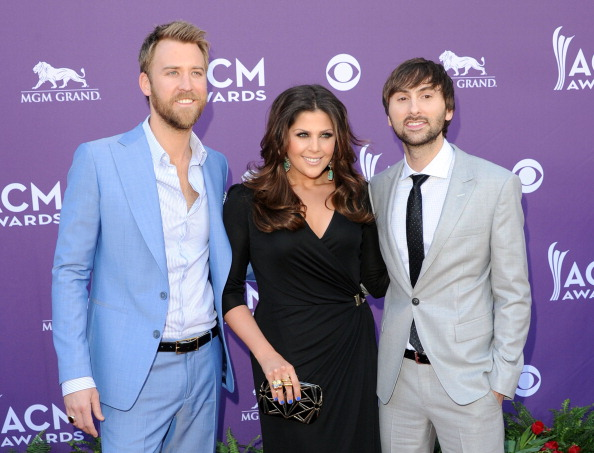 MGM Grand Garden Arena「47th Annual Academy Of Country Music Awards - Arrivals」:写真・画像(2)[壁紙.com]