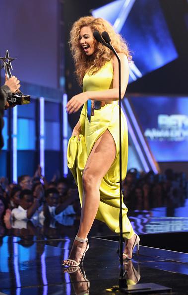 Yellow Dress「2012 BET Awards - Show」:写真・画像(16)[壁紙.com]