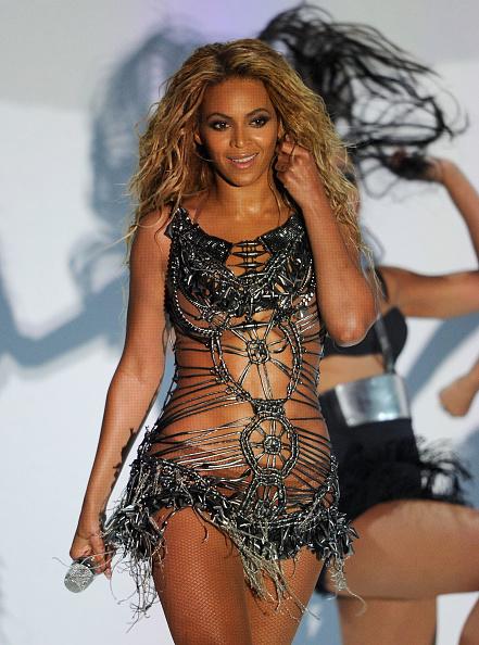 Leotard「2011 Billboard Music Awards - Show」:写真・画像(17)[壁紙.com]