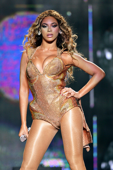 Gold Colored「Beyonce In Concert At Madison Square Garden」:写真・画像(17)[壁紙.com]