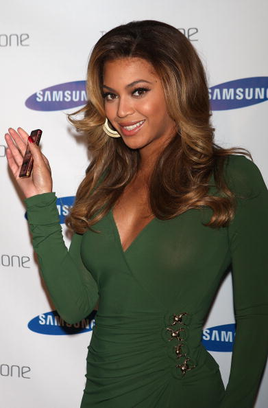 """Conference Phone「Beyonce And Samsung Announces The Launch Of """"B Phone""""」:写真・画像(7)[壁紙.com]"""