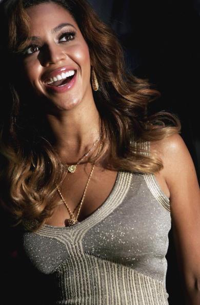 Gold Chain Necklace「Beyonce - Album Playback」:写真・画像(7)[壁紙.com]
