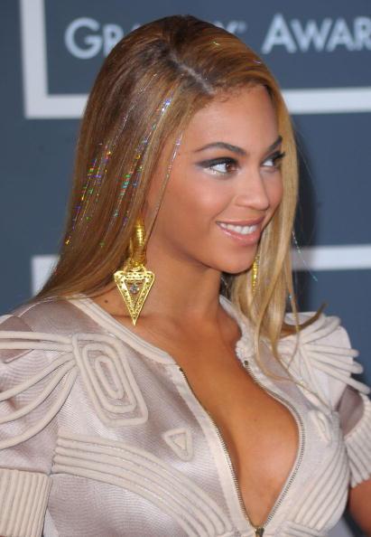 グラミー賞「The 52nd Annual GRAMMY Awards - Arrivals」:写真・画像(14)[壁紙.com]