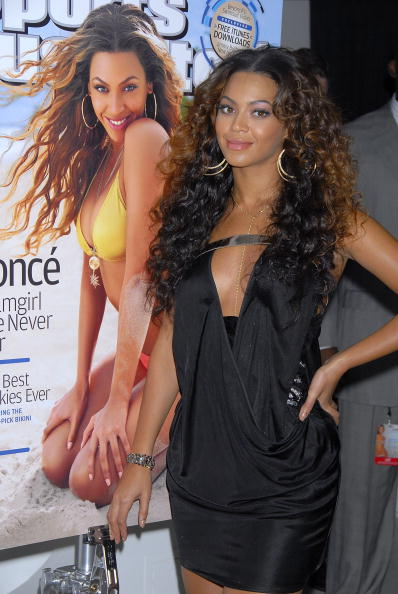 Two-Toned Hair「2007 Sports Illustrated Swimsuit Issue Press Event - Arrivals」:写真・画像(4)[壁紙.com]
