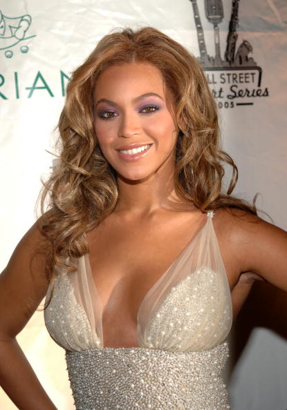 Embellishment「Beyonce Performs At Cipriani's Downtown」:写真・画像(1)[壁紙.com]