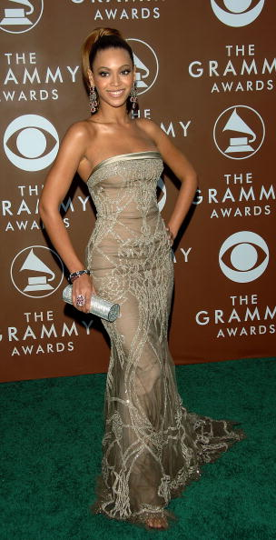 Sweeping「48th Annual Grammy Awards - Arrivals」:写真・画像(14)[壁紙.com]