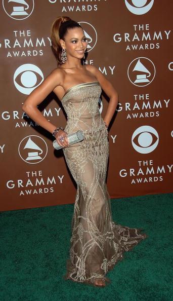 曲線「48th Annual Grammy Awards - Arrivals」:写真・画像(10)[壁紙.com]
