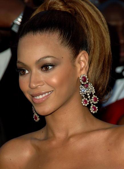 Sweeping「48th Annual Grammy Awards - Arrivals」:写真・画像(12)[壁紙.com]
