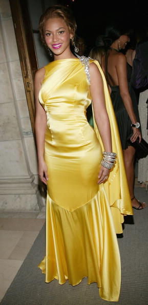 Yellow Dress「2004 CFDA Fashion Awards」:写真・画像(16)[壁紙.com]