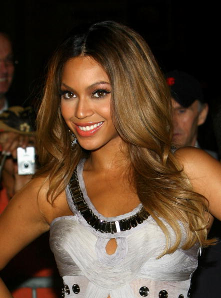 Costume Jewelry「Beyonce Knowles Birthday And Album Release Party - Arrivals」:写真・画像(19)[壁紙.com]