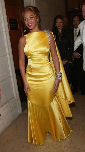 Yellow Dress「2004 CFDA Fashion Awards」:写真・画像(7)[壁紙.com]