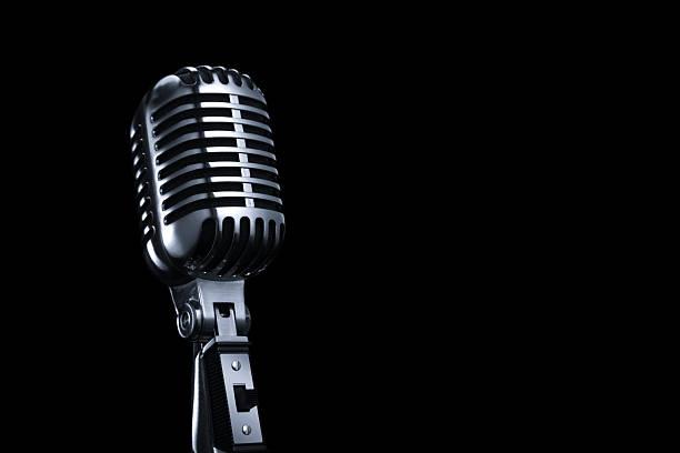 Generic Vintage Microphone on a Black Background:スマホ壁紙(壁紙.com)