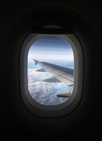 Porthole「View looking through an airplane window」:スマホ壁紙(9)
