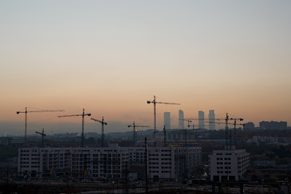Construction Machinery「Spanish Property Market Begins To Show Signs Of Recovery After Years Of Downward Tendency」:写真・画像(8)[壁紙.com]