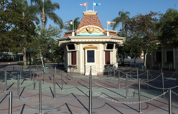 Anaheim - California「Disney Lays Off 28,000 Workers As Pandemic Takes Toll On Theme Parks」:写真・画像(6)[壁紙.com]