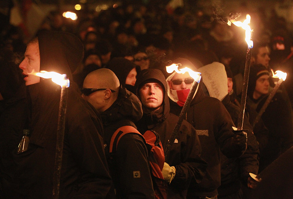 ネオナチ「Neo-Nazis Seek To Commemorate 1945 Dresden Bombing」:写真・画像(16)[壁紙.com]