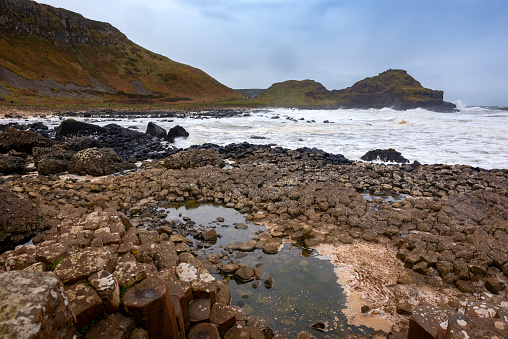 Basalt「Rocky shores of the dramatic Giant's Causeway and Causeway Coast」:スマホ壁紙(16)