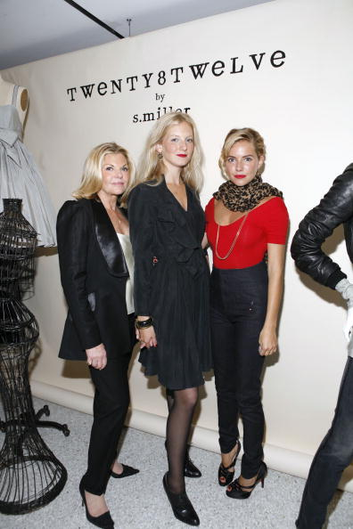 Jo Miller- South African Actress「Bergdorf Goodman And Sienna & Savannah Miller Celebrate Twenty8Twelve」:写真・画像(13)[壁紙.com]