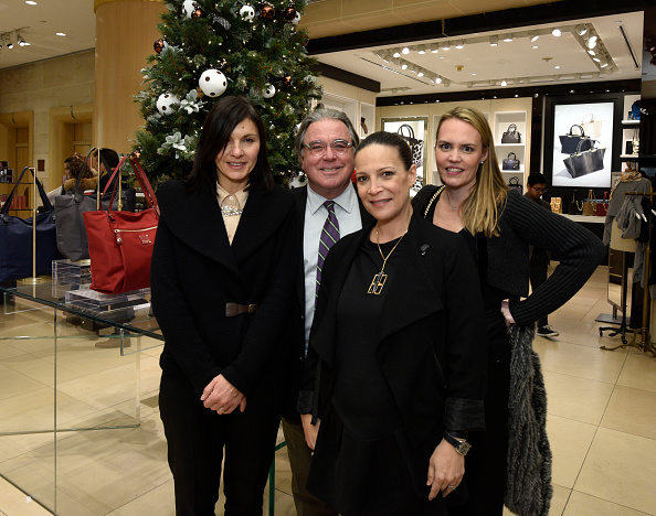 Celebration「Henri Bendel Celebrates The Holidays With An Enchanted Secret Garden On Fifth Avenue」:写真・画像(15)[壁紙.com]
