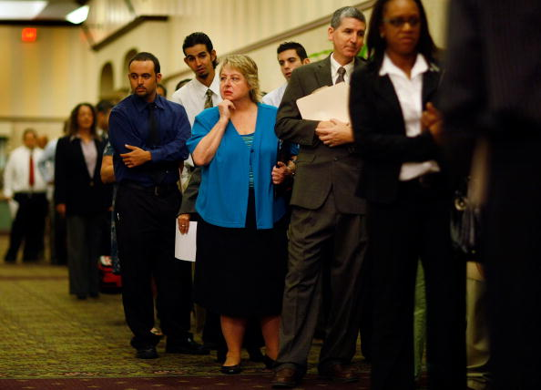 Davie - Florida「People Search For Employment, As Number Of Jobless Claims Passes 5 Million」:写真・画像(18)[壁紙.com]