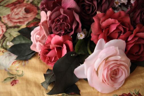 Floral Pattern「Fake Roses」:スマホ壁紙(13)