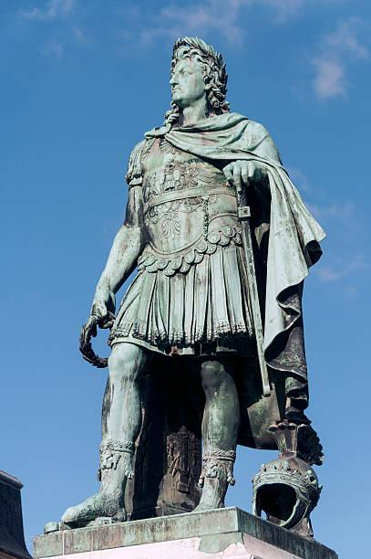 Louis XIV statue:スマホ壁紙(壁紙.com)