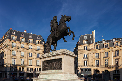 Louis XIV Of France「Louis XIV statue on Place des Victoires」:スマホ壁紙(12)