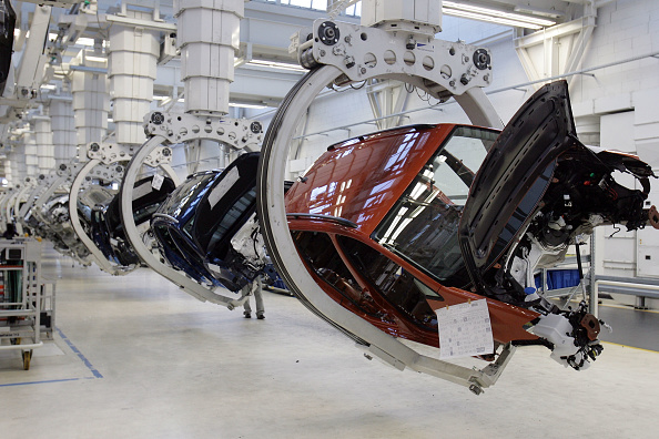 Wolfsburg - Lower Saxony「Touran And Tiguan Production At VW」:写真・画像(14)[壁紙.com]