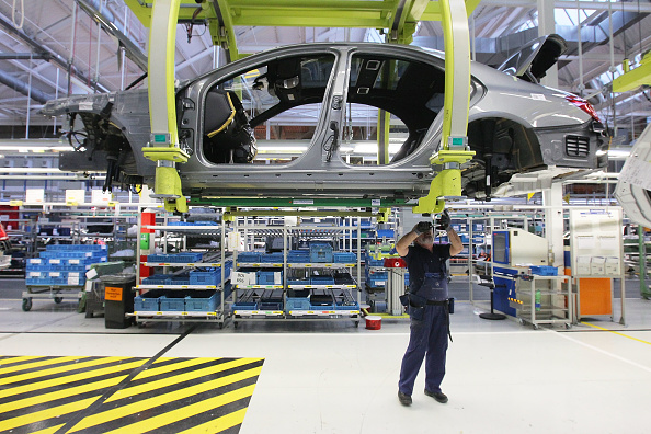 ダイムラーAG「S-Class Assembly At Mercedes-Benz Plant」:写真・画像(10)[壁紙.com]