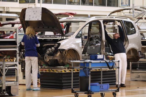 Wolfsburg - Lower Saxony「Volkswagen Producing Record Number Of Cars」:写真・画像(18)[壁紙.com]