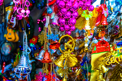 Sri Lanka「Holiday decorations at Christmas market in Colombo」:スマホ壁紙(18)