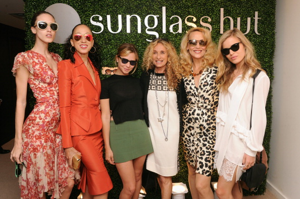 Annabelle Dexter Jones「Sunglass Hut Celebrates Mother's Day With Georgia May Jagger & Jerry Hall」:写真・画像(3)[壁紙.com]