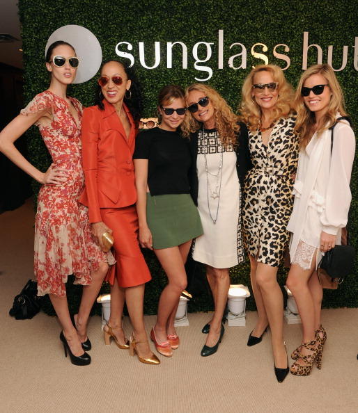 Annabelle Dexter Jones「Sunglass Hut Celebrates Mother's Day With Georgia May Jagger & Jerry Hall」:写真・画像(2)[壁紙.com]