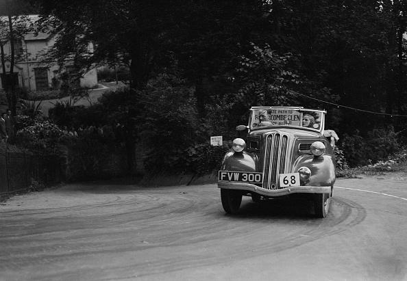 運転手「Ford Model C 10 of J McEvoy competing in the MCC Torquay Rally, Torbay, Devon, 1938」:写真・画像(19)[壁紙.com]