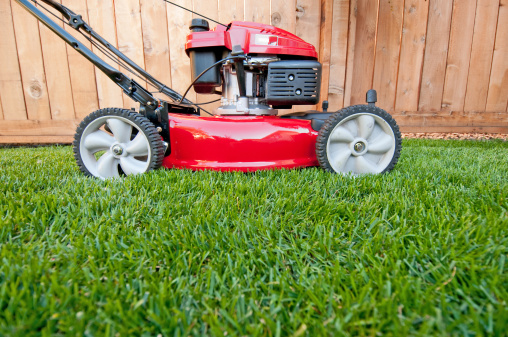 Mowing「Bright red lawn mower ready for business」:スマホ壁紙(11)