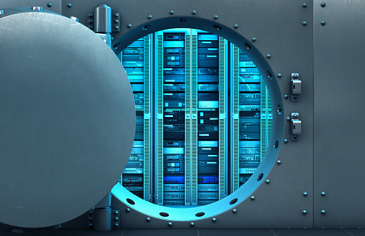 保護「Open vault door revealing computer servers」:スマホ壁紙(1)