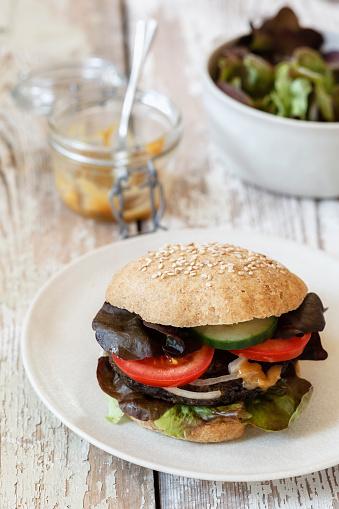 Veggie Burger「Homemade veggie burger, mushroom lentil fritter」:スマホ壁紙(13)